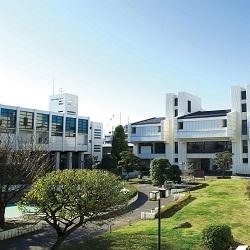 横浜商科大学